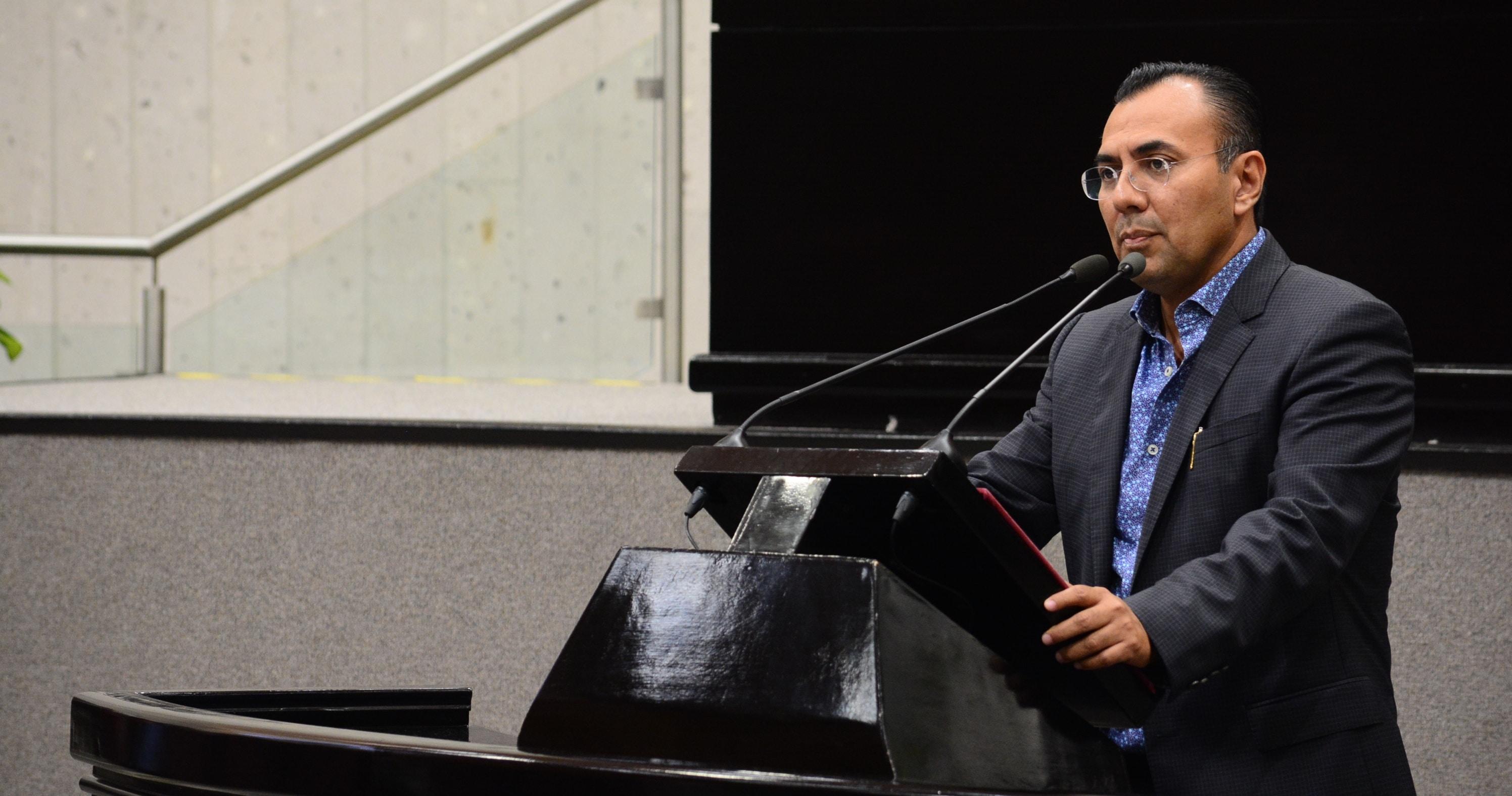 Candidatea Frente a primo de Karime Macías como diputado