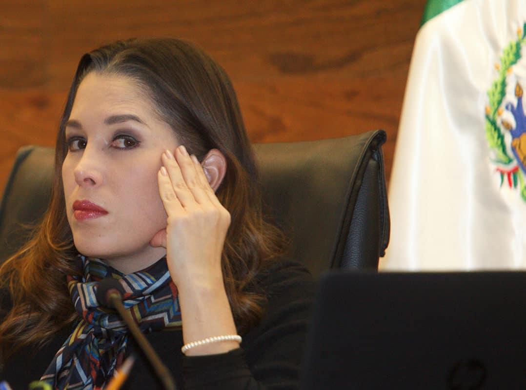 Ximena Puente acumula denuncias