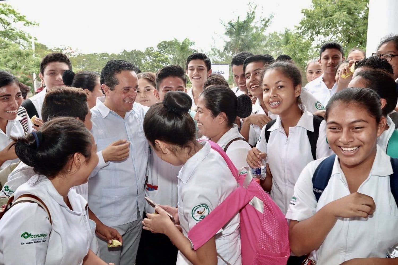 Quintana Roo educación Carlos Joaquín González
