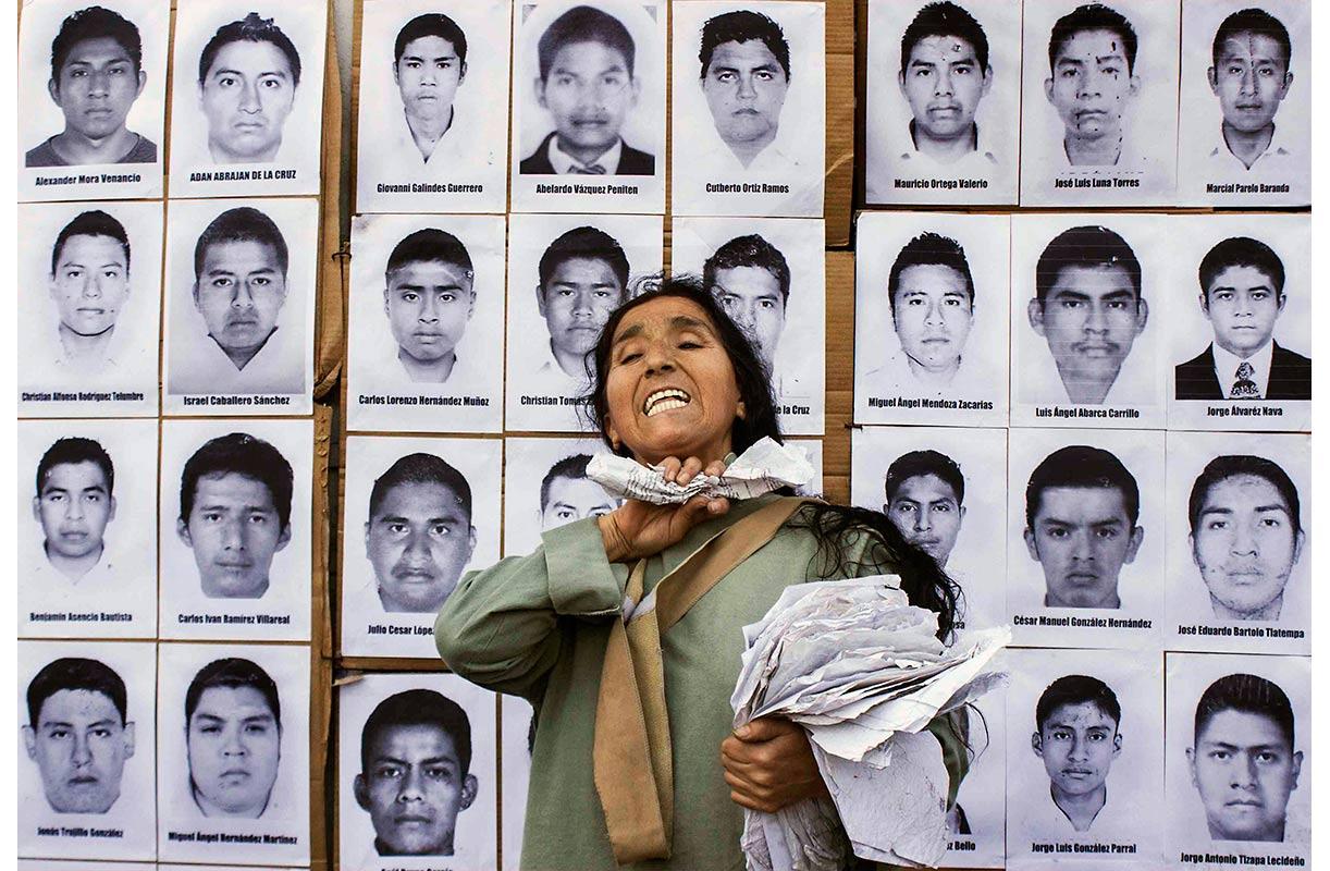 Lanzan órdenes de aprehensión contra funcionarios por el caso Ayotzinapa
