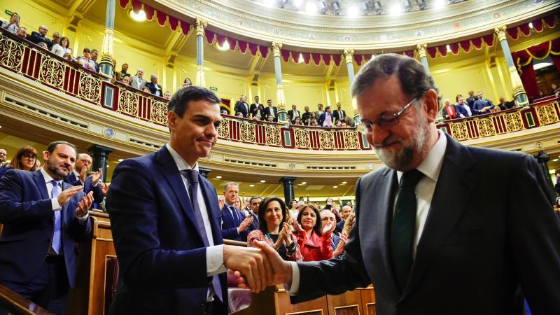 destituyen a Rajoy por moción de censura Pedro Sánchez nuevo presidente