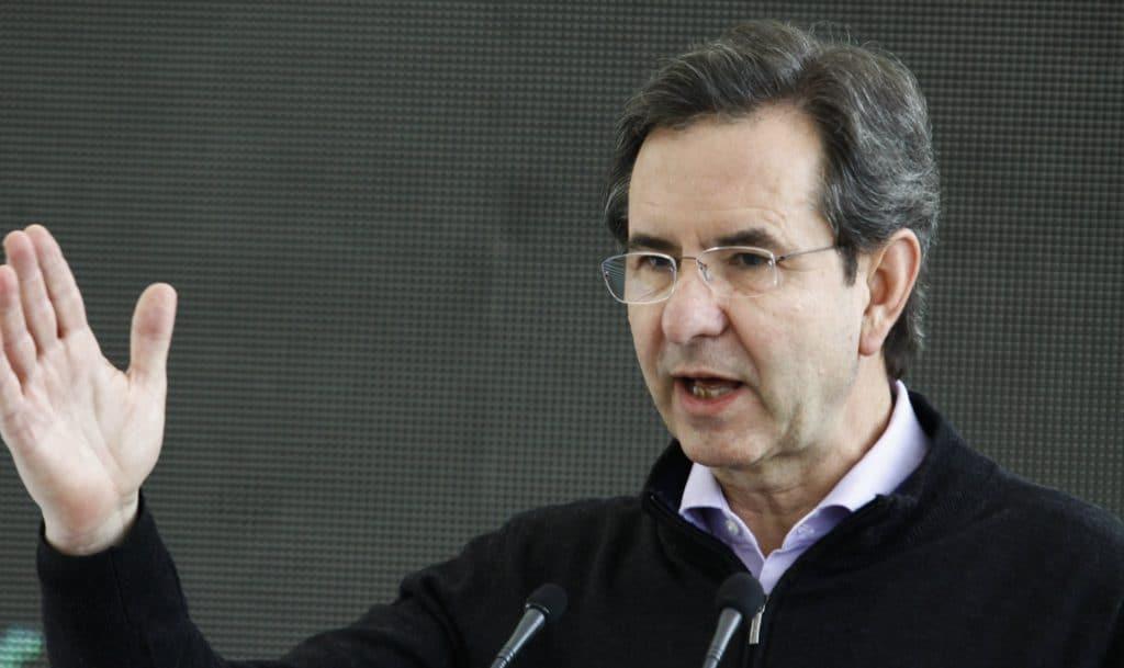 Esteban Moctezuma trasladará la SEP a Puebla