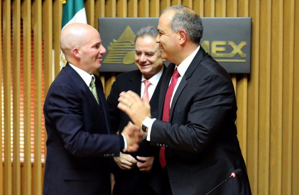 Carlos Alberto Treviño con José Antonio González Anaya y Pedro Joaquín Coldwell en Pemex.