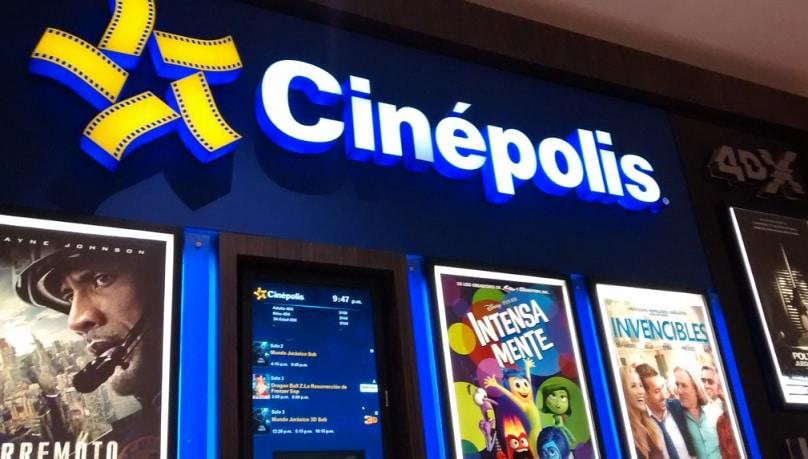 Cines nacionales privilegia a producciones extranjeras.